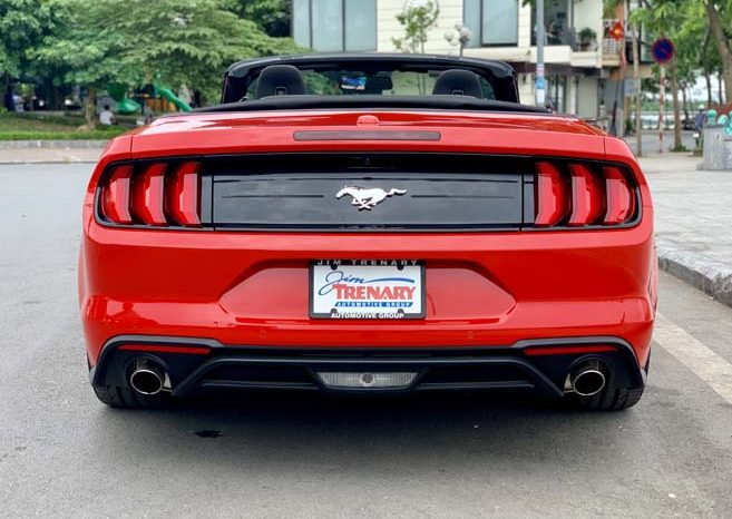 Ford Mustang Convertible 2021 full