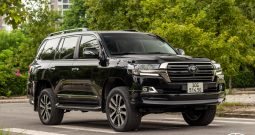 Toyota Land Cruiser LC200 4.5 diesel sản xuất 2017