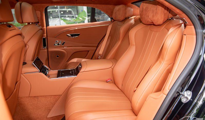 Bentley Flying Spur V8 2022 full